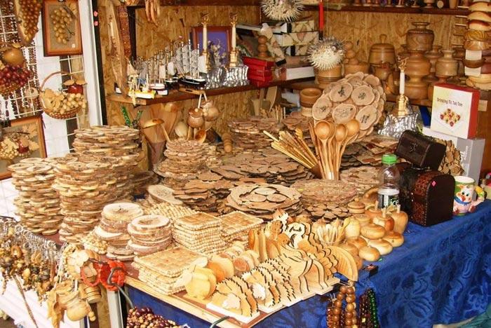 Сувениры из можжевельника в Кисловодке