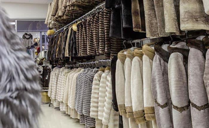 Шубный рынок в Кисловодске